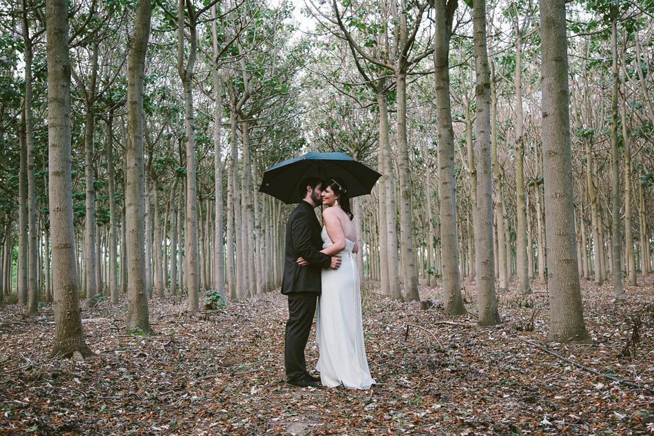 Wet weather wedding photos