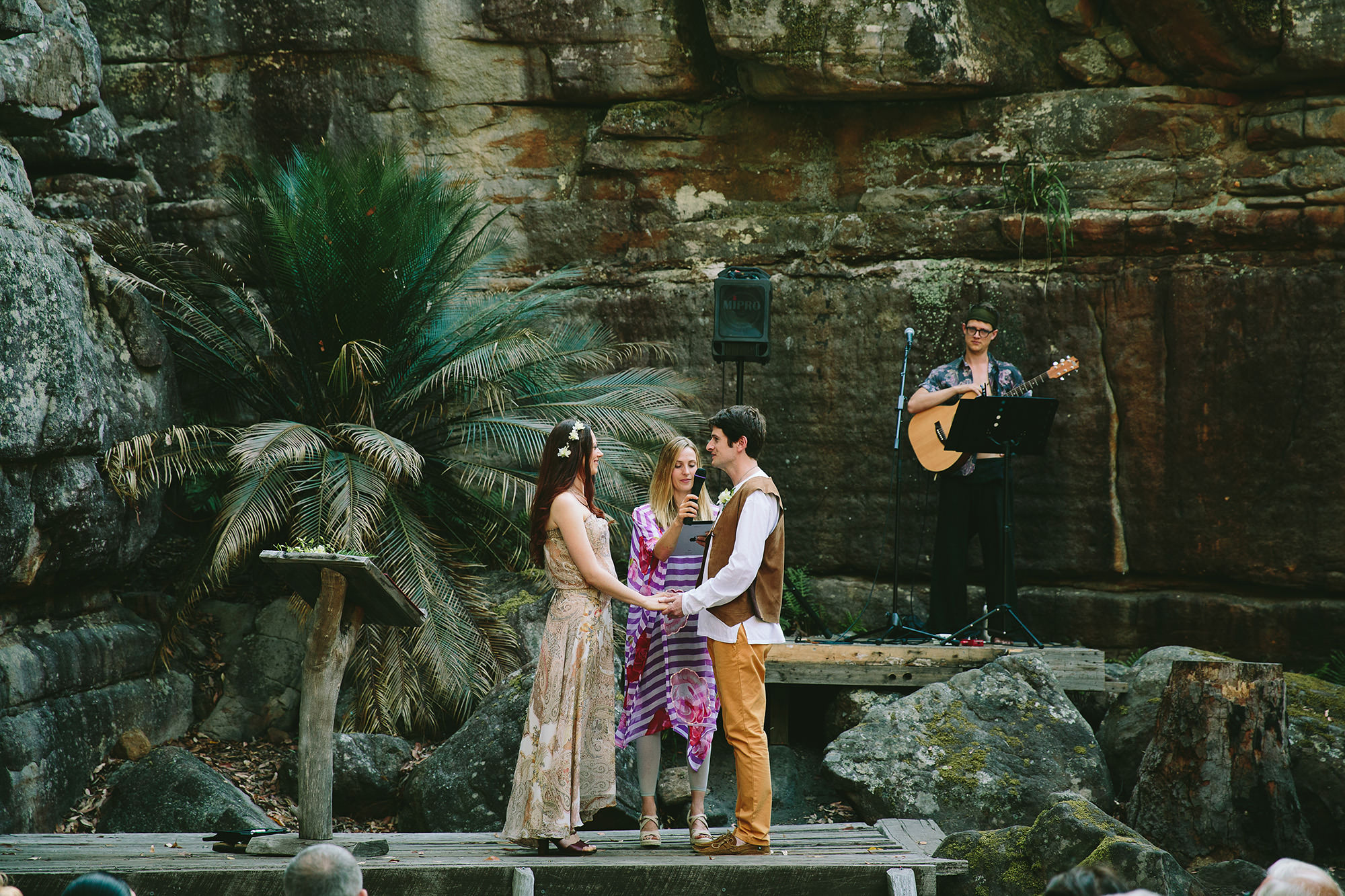 Kangaroo Valley Bush Retreat wedding ceremony