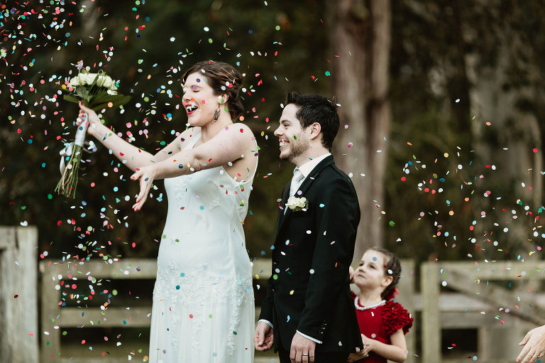 wedding confetti ideas & tips
