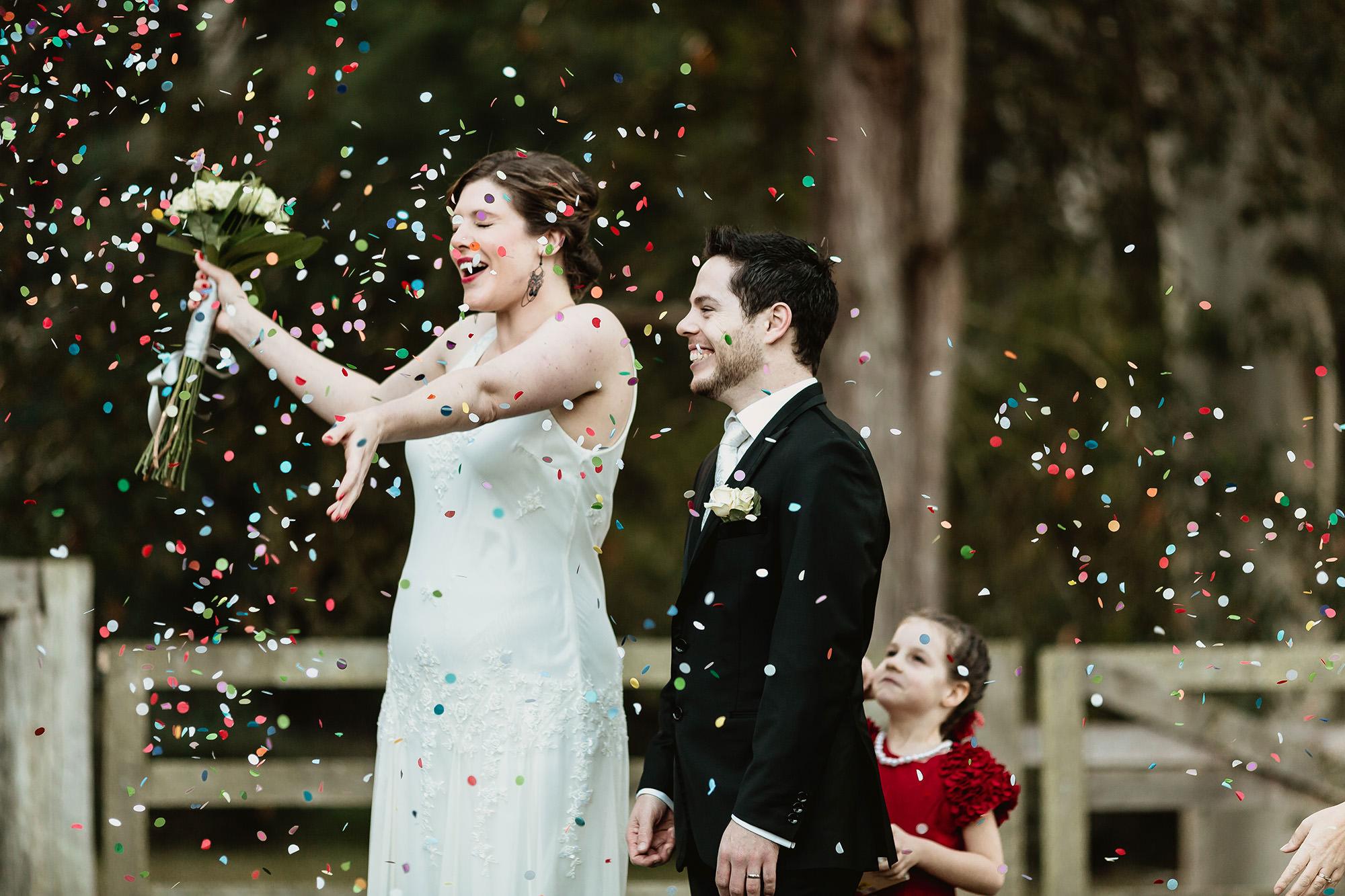 wedding confetti ideas & tips